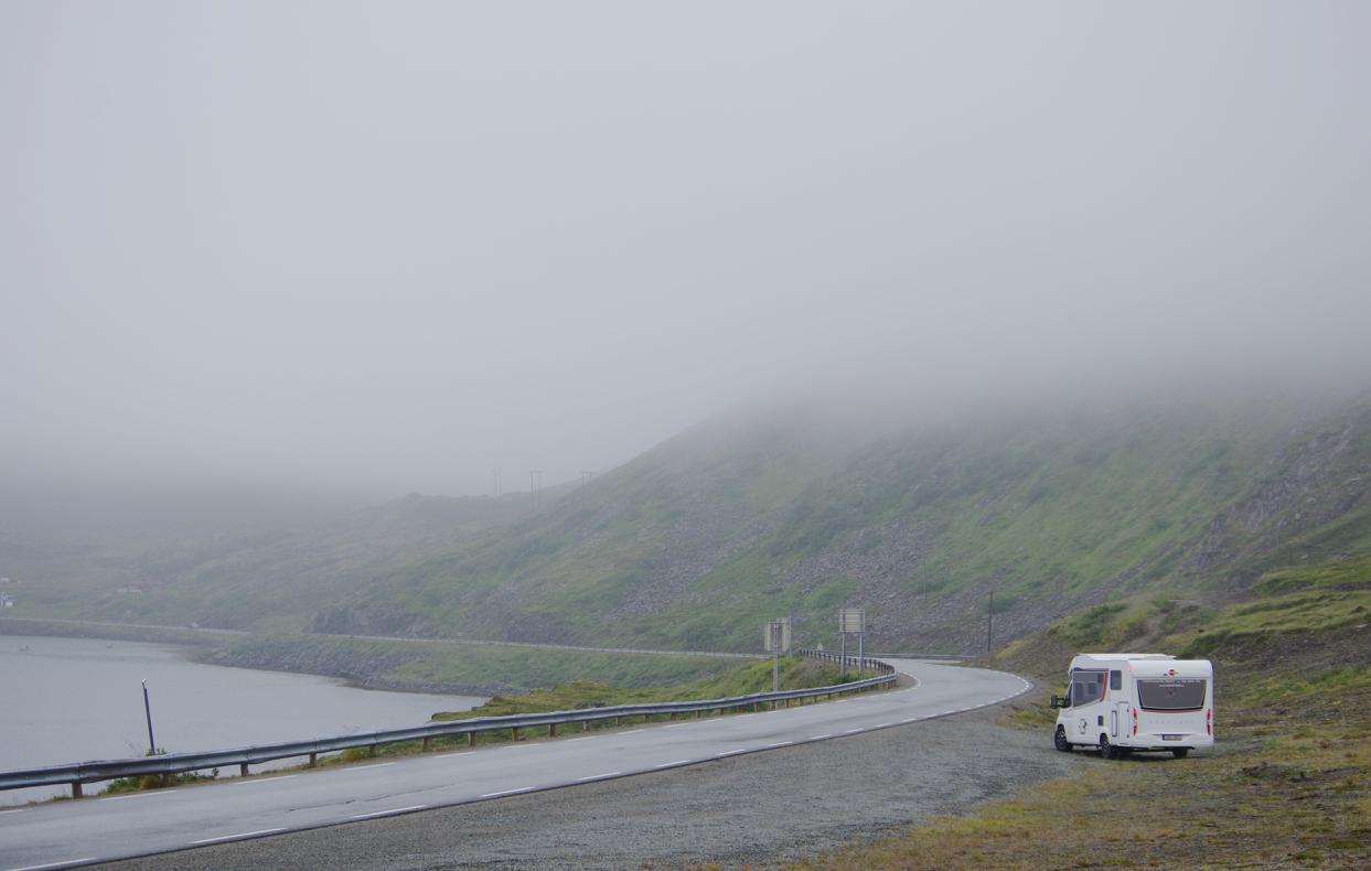 lapimaa-matkaauto-sügisel