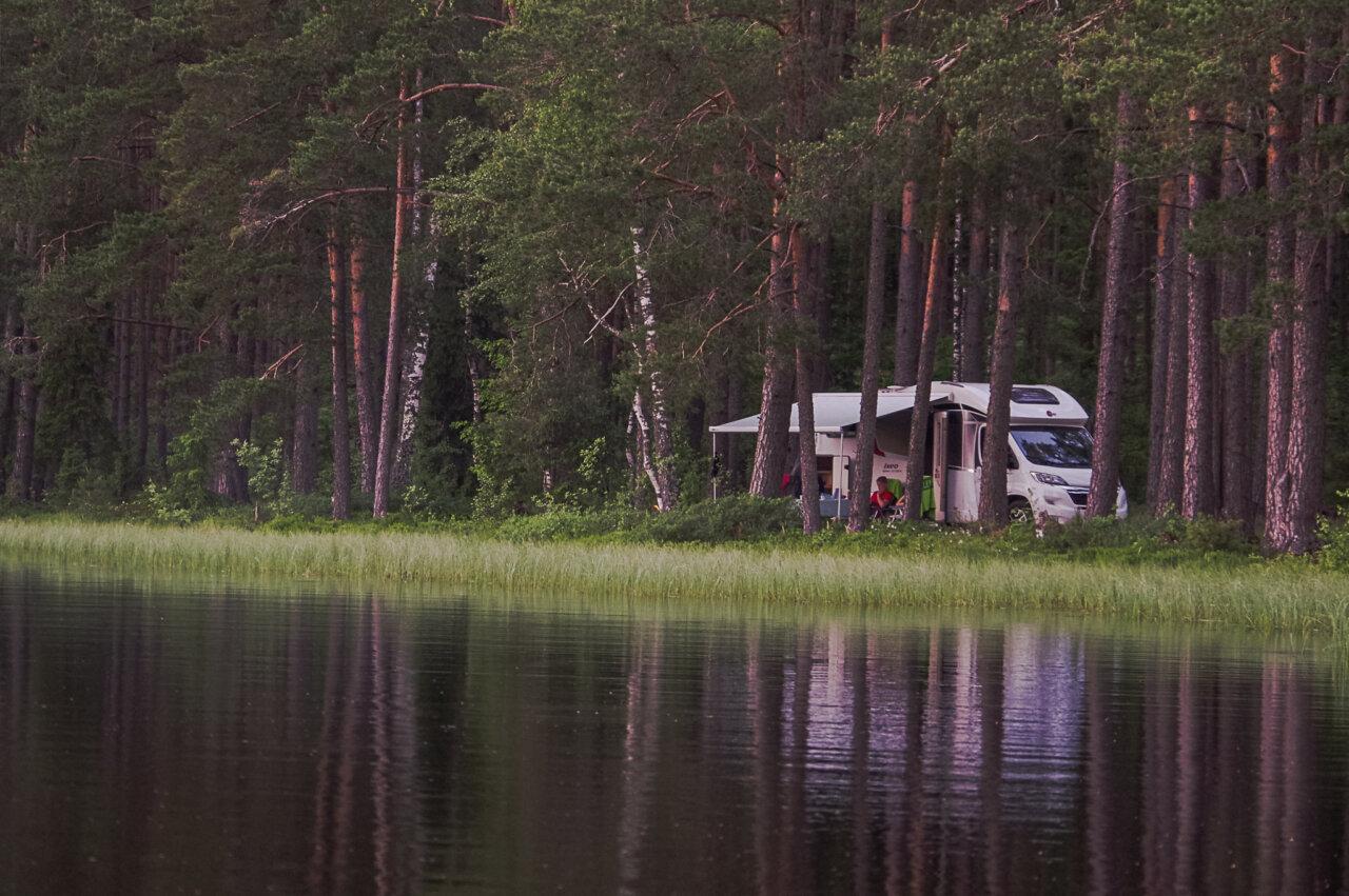 matkaautoga-looduses
