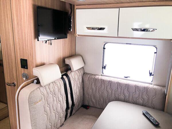 Matkaauto-Bürstner-Lyseo-Limited-690